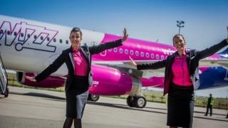 Companie aeriană low-cost angajează stewardese din România