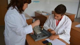 Concurs de comunicări științifice pentru elevii de la chimie