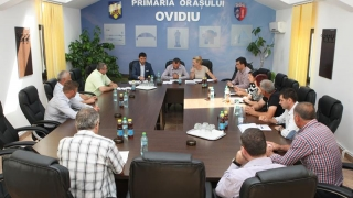 Consilierii demiși din Ovidiu atacă Prefectura și PSD