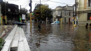 Constanța, din nou sub ape? Pe ce străzi nu trebuie să circulați