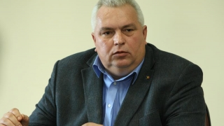 Constantinescu, acuzat pentru că... i-a sprijinit pe tineri?