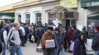 Contestațiile la licitații întârzie distribuția alimentelor de la UE