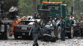 Convoi NATO, vizat de un atac sinucigaș în Afganistan