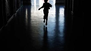 Copil violat de un adolescent la Năvodari. Filmarea, distribuită printre tineri