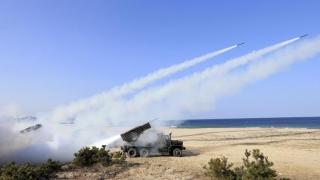 Coreea de Nord a lansat trei rachete balistice