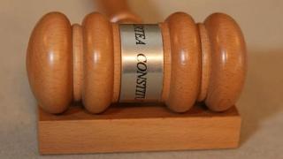 CCR amână pentru octombrie sesizările referitoare la Codul Administrativ