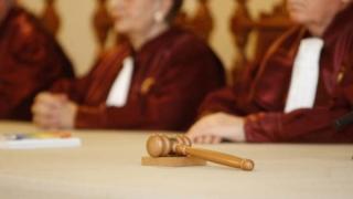CCR a amânat pronunţarea pe conflictul Parlament-ÎCCJ pe tema completurilor specializate