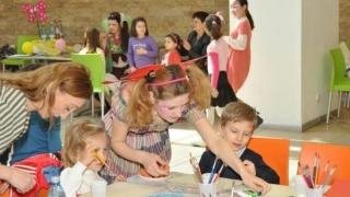 Creativitate și fapte bune la Atelierul Zânelor