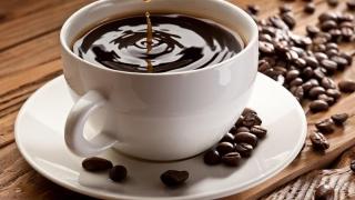 Creşterea dozei zilnice de cafea reduce riscul apariţiei cirozei hepatice