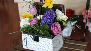 Cum afli ce flori să îi cumperi de 8 Martie fără să dai greș