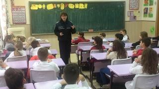 Cum devenim pietoni disciplinați? Sfaturi de la polițiști pentru elevii constănțeni!