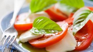 Cum preparăm salată Caprese în doar câteva minute