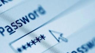 Cum vă păstraţi parolele mailurilor, telefoanelor şi conturilor?