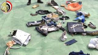 Cutiile negre ale avionului EgyptAir, căutate la peste 3.000 m adâncime