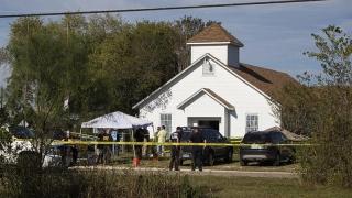 De ce au murit 26 de oameni în atacul armat din Texas?