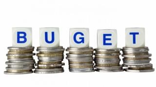 Salarii și pensii mai mari, investiții minuscule