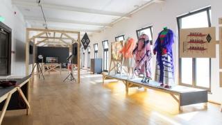 Designeri români, într-o expoziție inedită la Madrid