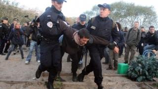 Din nou! 16 imigranţi clandestini, arestaţi în nordul Franţei