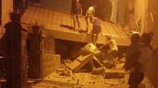 Distrugeri cumplite! Insula italiană Ischia, cutremurată