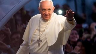 Doi români au luat masa cu Papa, de ziua lui