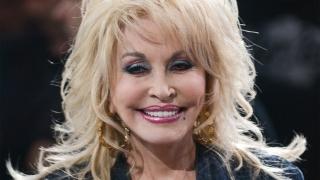 Dolly Parton spune că a scris probabil 5.000 de cântece