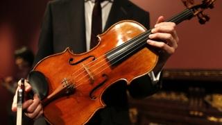 """Duelul viorilor: Stradivarius versus Guarneri"", la New York și Washington DC"
