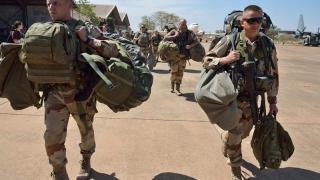 După atentatele din Franța, numărul înrolărilor în armată a crescut de 10 ori