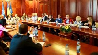 Ce a găsit ministrul Turismului pe litoral: tensiuni și OZN-uri de Mamaia