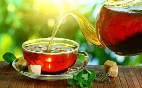 Mierea de salcâm este singurul tip de miere care nu modifică în niciun fel gustul ceaiului?!