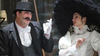 """Weekend cu trei comedii la Teatrul de Stat Constanța. Revine """"URSUL"""" de Cehov"""