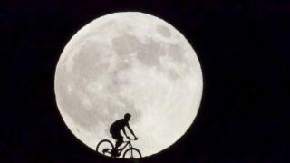 Cea mai mare și luminoasă Lună din ultimii 70 de ani!