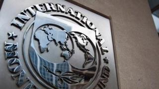 FMI a scăzut prognozele evoluţiei economice mondiale. Precizări despre zona României