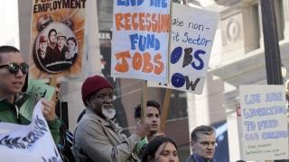 Economia SUA, slăbită de încetinirea investiţiilor locale