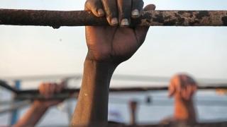 """CEDO intervine în tragedia migranţilor """"vânduţi"""" şi """"torturaţi cu electroşocuri"""""""