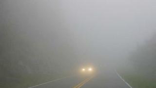 Nouă județe sub cod galben de ceață, atenționare de polei pentru alte cinci