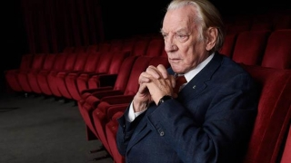 INCIDENT suferit de celebrul actor Donald Sutherland la un hotel din România