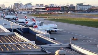 Cele trei colete cu bombe trimise la aeroporturi britanice, nerevendicate