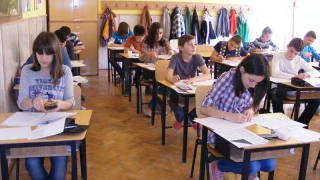 Elevii de clasa a opta susțin prima probă a simulării Evaluării Naționale