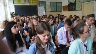 Elevii de liceu din Constanța se întrec în dezbateri pe teme politice și de mediu