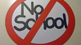 Elevii din București nu merg la școală după alegeri. Cei din Constanța?