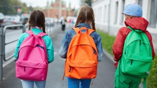 INCREDIBIL! Elevii din Constanța merg la școală de Ziua Educației!