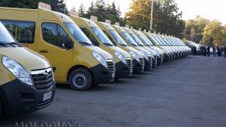 Elevii din Republica Moldova vor merge la școală cu microbuze din România