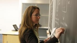Elevii vor studia combaterea corupţiei la şcoală?