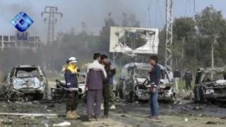Lupte violente în capitala Statului Islamic, între jihadiști și kurzi