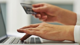 Ce mai vând românii pe net