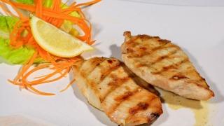 Ce mănâncă românul? Află care sunt rețetele preferate!