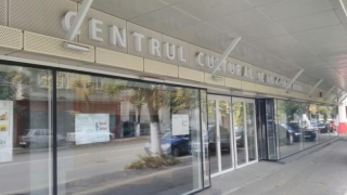 """Centrul Cultural """"Jean Constantin"""", cu un picior în groapă înainte de inaugurare"""