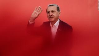 Erdogan, ales în fruntea partidului de guvernământ din Turcia