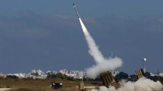 Cerul Israelului, brăzdat de rachete!