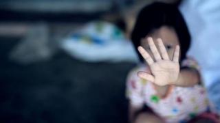 Ce s-a întâmplat cu fetița din Năvodari care și-a vegheat mama decedată